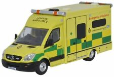 BNIB OO GAUGE OXFORD DIECAST 1:76 76MA002 MERCEDES AMBULANCE LONDON