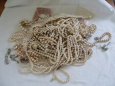 JOB LOT OF BROKEN  FAUX PEARL JEWELLERY,ALL TYPES,MAINLY VINTAGE, SPARES/HARVEST
