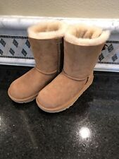 Kid's UGG Bailey Bow II Chestnut Boots- size 1- #1017394