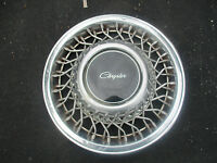 one 1991 1992 Chrysler New Yorker locking 14 inch wire spoke hubcap wheel cover
