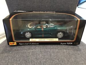 1:18 Maisto  Special Edition- 1992  Jaguar  XJ220  Die-Cast Model