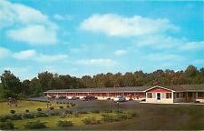 Hodgenville KY~Lincoln Mem Motel~Playground~Sun Umbrellas Nice 1950s Cars