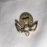 Dove Flying Bird Lapel Hat Tie Pin Peace Religious Gold Tone