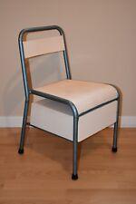 chaises d'école Stella vintage