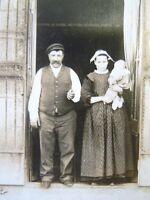 Carte postale photographique famille Popeguen devant leur Boucherie bretonne