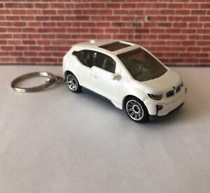KEYCHAIN RING BMW I3 EV ELECTRIC CAR WHITE AUTO KEYS FOB WHEEL NEW