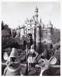 CINDERELLA MICE SLEEPING BEAUTY CASTLE 1967 DISNEYLAND Anaheim Walt Disney Photo