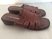 Vintage 1970s Brown Leather Ladies Slip On Sandals Size 6 Boho Hippy Summer