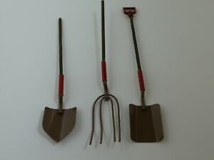 Dolls House Garden Accessory Miniature 1:12th Scale Brown Metal Spade Hoe & Fork