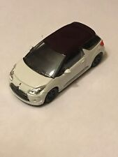 CITROEN  - DS3  BLANC  / NOIR    COLLECTION 3 INCHES  - SERIE: 2014 1/64