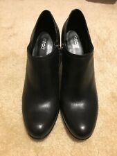 ECCO black leather ankle boots 41