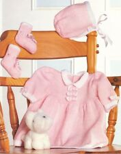 Knitting Pattern Baby's Pretty 4 Plis Robe, Bonnet & bootees 40-50 cm (104)