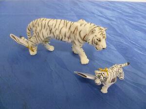 Schöner weißer Tiger / Bengal Tiger mit Jungem von PAPO - NEU mit Etikett