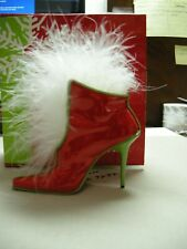 Just The Right Shoe - Mrs. Claus's Snowflake Surprise (Item 25356)