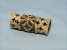0Ld Japanese Carved Ojime Bead