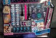 Monster High Beauty Set Make Up Furrocious Claws Nail Art Studio Girls
