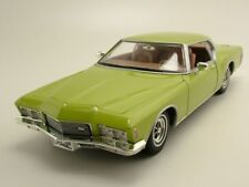 Buick Riviera GS 1971 Verde Metálico, Coche Modelo 1:18 / Yat Ming