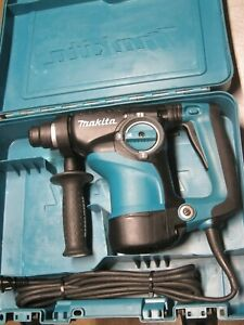MAKITA HR2811F 7 AMP CORDED ELECTRIC ROTARY HAMMER DRILL WITH CASE