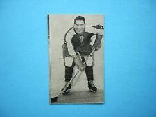 1952/53 ST. LAWRENCE SALES QSHL HOCKEY CARD #9 ROGER LEGER EX/NM SHARP!! 52/53