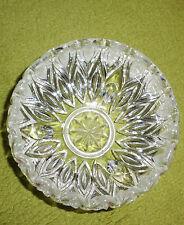 kleine Schüssel aus Bleikristall, Durchm. ca. 13 cm oben, 3 Füßchen, Teilschliff