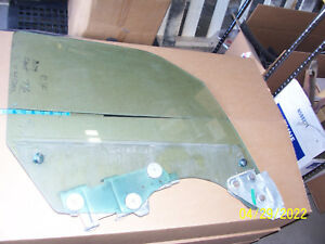 1977 1978 1979 CONTINENTAL TOWNCAR RIGHT FRONT DOOR GLASS OEM USED LINCOLN