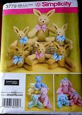 SIMPLICITY TWO PATTERN PIECE ANIMALS IN TWO SIZES  -  UNCUT PATTERN (3779)
