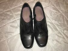 Clarks Artisan Collection Black Leather Womens Ankle Boots Side Zip Sz 8.5M
