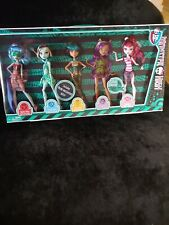 Monster High Skull Shores Gift Set with 5 Exclusive Dolls 2012