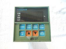 HONEYWELL Temperature Controller    DC3001-0-000-1-00-0111
