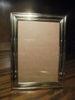 """Vintage Gold-Tone Metal Photo Frame Deco Style Holds 4""""x6"""" Picture     113"""