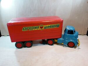 WYANDOTTE TOYS VAN LINES MOTOR CARGO TOY TRUCK AND TRAILER