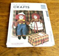 McCalls Crafts Raggedy Ann & Andy & Clothes & Carry Case Patterns Uncut 2439 S10