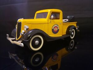 1:18 Solido Ford V8 Dunlop Tow Truck Loose No Box