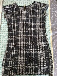 BLACK AND WHITE CHECKED TUNIC STYLE TOP - SIZE 10
