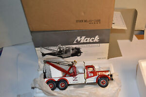 First Gear 1/34 Mack L Model Tow Truck Ernest Holmes 19-3186 NIB