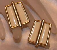 VINTAGE DESIGNER MONET OFF WHITE GOLD TONE METAL PIERCED POST EARRINGS