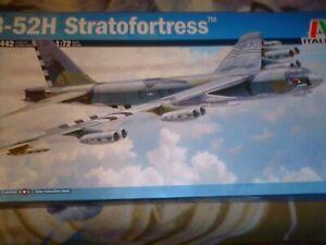 ITALERI 1/72 SCALE THE 1955 BOEING USAF B-52H STRATOFORTRESS JET BOMBER K/N1442