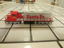 lifelike santa fe powered engine Ho scale