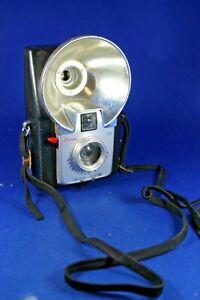 Kodak Vintage Brownie Starflash Camera  Doken Lens - As Is