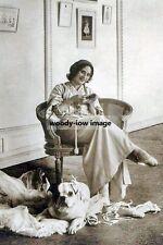 rp10539 - Russian Prima Ballerina , Anna Pavlova with her dog - photograph 6x4