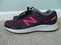 New Balance Women's/girl's Arishi walking/Running Shoes Black/Purple size 6