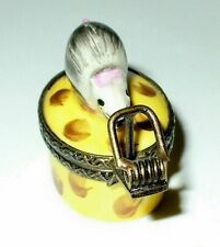 LIMOGES BOX - MOUSE ON A WEDGE OF SWISS CHEESE - MOUSE TRAP CLASP - MICE