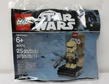 'LEGO 40176 Star Wars Scarif Stormtrooper Promo Minifigure Polybag New Free Ship' from the web at 'https://i.ebayimg.com/thumbs/images/g/cdwAAOSwdJ9aNZMb/s-l225.jpg'