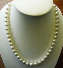 Collane e pendagli di lusso bianco ovale