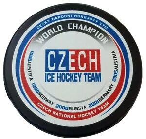 WORLD CHAMPION CZECH ICE HOCKEY TEAM PUCK OFFICIAL MADE IN CZECHOSLOVAKIA RUBENA
