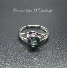 9K gold 9ct White Gold Mystic Topaz Ring Trillion cut Size N 2.98g US Size 6 3/4