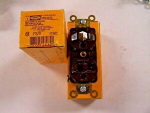 2) NEW HUBBELL 5252 DUPLEX 15 AMP 125 VOLT RECEPTACLE HBL5252 LOT OF 2
