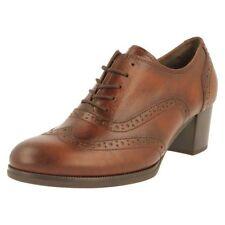 Zapatos de tacón de mujer de piel talla 36 color principal marrón
