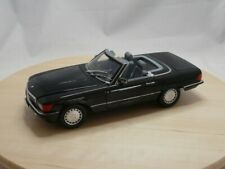 R107 1986 blauschwarz metallic 1:18 Norev Mercedes-Benz 300 SL Convertible