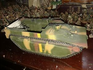 KING AND COUNTRY WW2 USMC LVT4 60mm metal